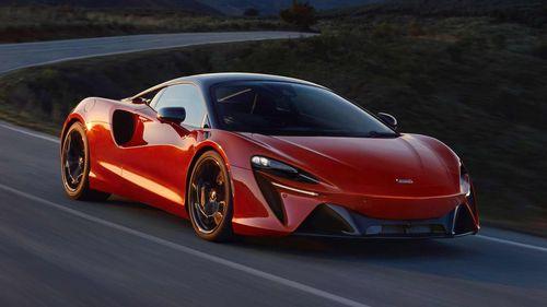 McLaren teases its 500kWplug-inhybridArtura