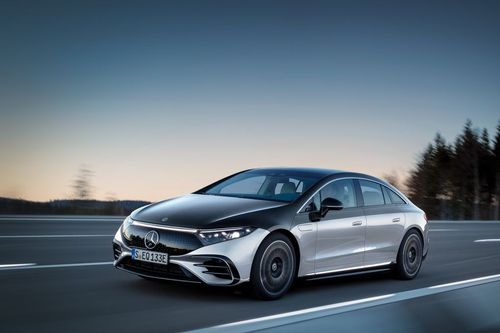 Mercedes-Benz reveals their charging conceptfor the EQS
