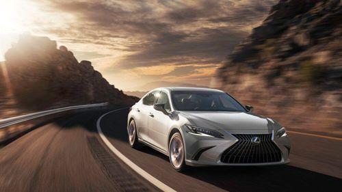 Lexus has premiered its latest ES model