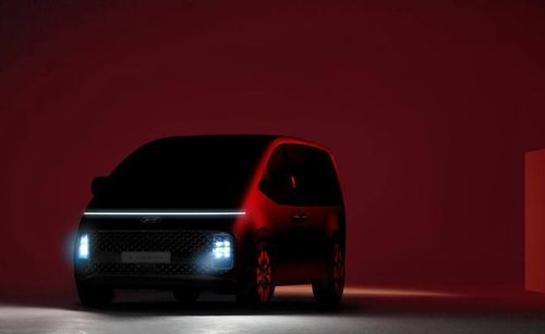 Hyundai gives us a glimpse of the STARIA