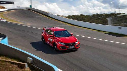 POLE POSITION – Honda Civic Type-R
